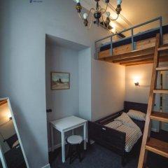 Хостел Bliss Стандартный семейный номер с двуспальной кроватью (общая ванная комната) фото 13