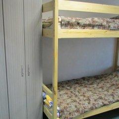 Хостел 4&4 Кровать в общем номере фото 10