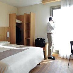 Hotel ibis Madrid Aeropuerto Barajas 2* Стандартный семейный номер с двуспальной кроватью фото 7