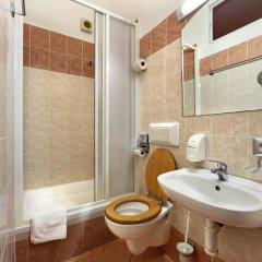 Отель Golden City 3* Апартаменты с различными типами кроватей фото 10