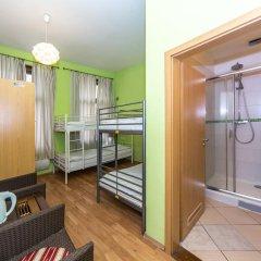 Hostel Orange Кровать в общем номере с двухъярусной кроватью
