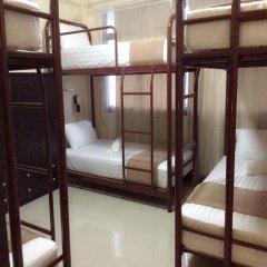 Naturbliss Bangkok Transit Hotel 3* Кровать в общем номере фото 4
