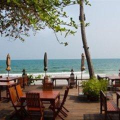 Отель Lomtalay Chalet Resort гостиничный бар