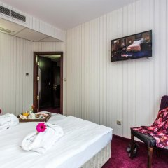 Best Western Art Plaza Hotel 3* Улучшенный номер с различными типами кроватей фото 8