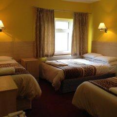Acton Town Hotel 2* Номер с общей ванной комнатой с различными типами кроватей (общая ванная комната) фото 8