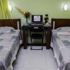 Ari's Hotel III 2* Стандартный номер с 2 отдельными кроватями