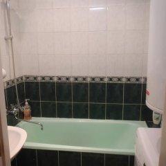 Гостиница Guest House Gera в Усинске отзывы, цены и фото номеров - забронировать гостиницу Guest House Gera онлайн Усинск ванная