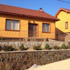 Гостиница Solnce Karpat Коттедж с различными типами кроватей фото 9