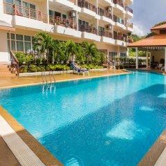 Апартаменты Emerald Palace - Serviced Apartment Паттайя бассейн