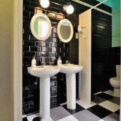 Хостел Far Home Plaza Mayor Стандартный номер с двуспальной кроватью (общая ванная комната) фото 3