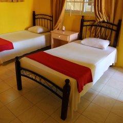 Reggae Hostel Ocho Rios Номер категории Эконом с различными типами кроватей фото 2