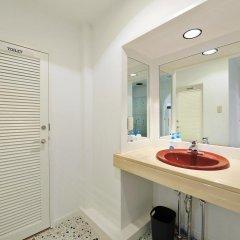 Отель Khaosan World Asakusa Ryokan Кровать в общем номере фото 7