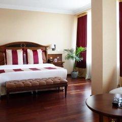 Гостиница Crowne Plaza Minsk 5* Улучшенный номер двуспальная кровать фото 7