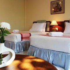 Отель Baan Pron Phateep Улучшенный номер с двуспальной кроватью фото 4