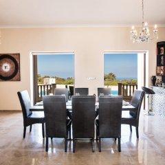 Отель Akefalou Sea View Villa Кипр, Протарас - отзывы, цены и фото номеров - забронировать отель Akefalou Sea View Villa онлайн питание
