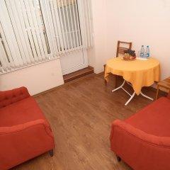Отель Bed & Breakfast Bishkek Бишкек комната для гостей фото 3