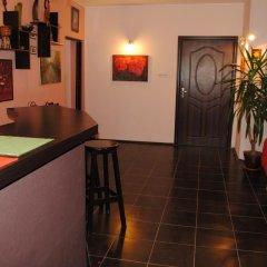 Отель Guest House Sunflowers Болгария, Поморие - отзывы, цены и фото номеров - забронировать отель Guest House Sunflowers онлайн интерьер отеля