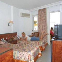 Aroma Hotel 3* Стандартный семейный номер с двуспальной кроватью фото 3