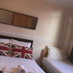 Отель Commercial Rd Homestay Номер с общей ванной комнатой с различными типами кроватей (общая ванная комната) фото 7