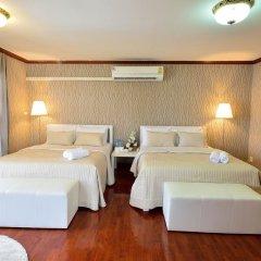 Отель Lost and Found Bed and Breakfast 2* Семейный номер Делюкс с двуспальной кроватью фото 2
