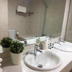 Отель Apartamentos Plaza Picasso Испания, Валенсия - 2 отзыва об отеле, цены и фото номеров - забронировать отель Apartamentos Plaza Picasso онлайн ванная