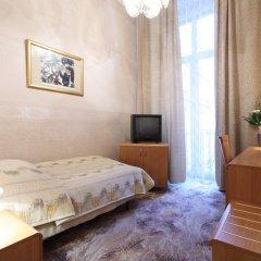 Hotel Savoy 2* Стандартный номер с различными типами кроватей фото 6