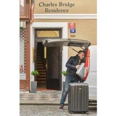Отель Charles Bridge Residence городской автобус