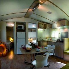 Отель Camping Village Fabulous Шале с различными типами кроватей фото 7