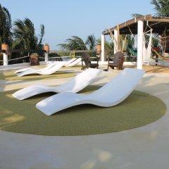 Отель Beachfront Hotel La Palapa - Adults Only Мексика, Остров Ольбокс - отзывы, цены и фото номеров - забронировать отель Beachfront Hotel La Palapa - Adults Only онлайн бассейн фото 2