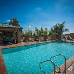 Отель Hilton Garden Inn Los Angeles Montebello Монтебелло бассейн фото 2