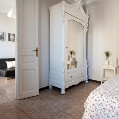 Отель Whatching Sagrada Familia Барселона комната для гостей фото 2