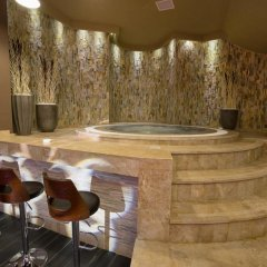 Отель Tsghotner бассейн