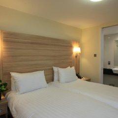 Отель Holiday Inn London - Kensington 4* Улучшенный номер с различными типами кроватей