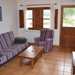 Отель Apartamentos Rurales La Fuente de Báscones комната для гостей фото 3