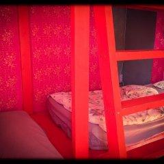 Baroque Hostel Кровать в женском общем номере с двухъярусной кроватью