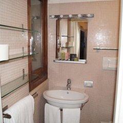Отель Relais Arco Della Pace 2* Стандартный номер с различными типами кроватей фото 2