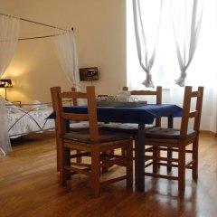 Отель Ridolfi Guest House 2* Стандартный номер с двуспальной кроватью (общая ванная комната) фото 10