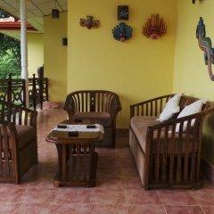 Отель Lanka Rose Guest House Шри-Ланка, Берувела - отзывы, цены и фото номеров - забронировать отель Lanka Rose Guest House онлайн интерьер отеля
