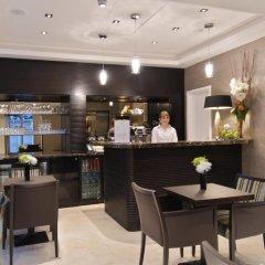 Отель The Park Grand London Paddington гостиничный бар