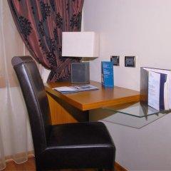 Отель Tirana International Hotel & Conference Centre Албания, Тирана - отзывы, цены и фото номеров - забронировать отель Tirana International Hotel & Conference Centre онлайн удобства в номере фото 2