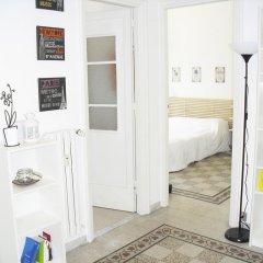 Апартаменты Colorful and Lively Vatican Apartment комната для гостей фото 5