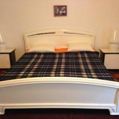 Hostel Slow Стандартный номер с двуспальной кроватью (общая ванная комната)