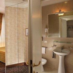 Hotel Condotti 3* Стандартный номер с двуспальной кроватью фото 26