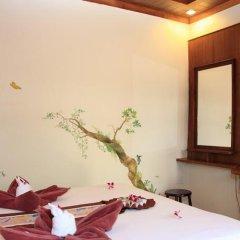 Отель Baan Pakgasri Hideaway Ланта в номере