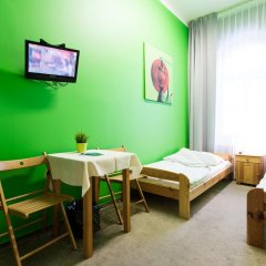 Moon Hostel Стандартный номер с 2 отдельными кроватями (общая ванная комната) фото 2