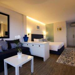 Отель Phuket Boat Quay 4* Улучшенный номер с различными типами кроватей фото 6