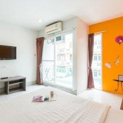 Отель The Fifth Residence 3* Улучшенный номер с двуспальной кроватью фото 3
