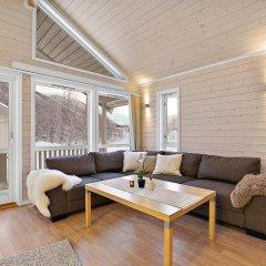 Отель Tromsø Camping Улучшенный коттедж с различными типами кроватей фото 3