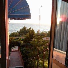 Отель Mario Hotel Албания, Саранда - отзывы, цены и фото номеров - забронировать отель Mario Hotel онлайн балкон