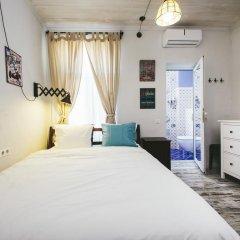 Отель 5 Vintage Guest House 3* Номер Делюкс с двуспальной кроватью фото 2